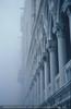 Dogenpalast im Nebel