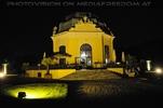 Der Kaiser Pavillon in der Nacht