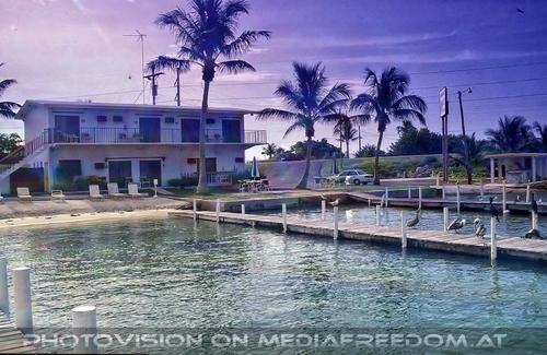 Edgewater Motel 04