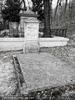 Am kleinen Friedhof 4