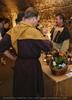 Mittelalterliche Weinverkostung
