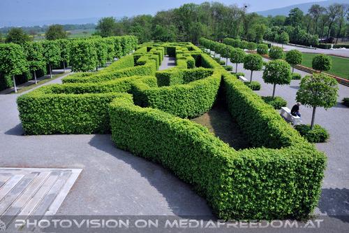 Schlosspark 10