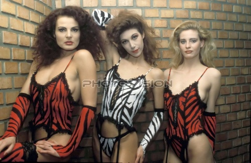Tiger dream: Iris Geher,Natascha Tagunoff,Nadine