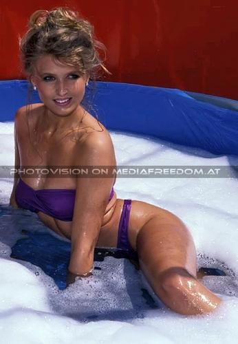 Manu - cheap bath, precious lady 3: Manuela M.