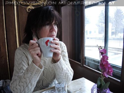 Im Kaiserpavillon mit Kaffee: Eva D.