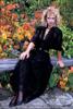Lady in black 03