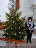 In der Kapelle mit Christbaum