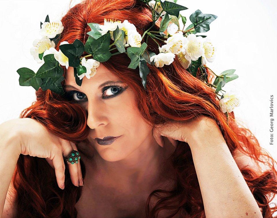 Dieses Promifoto von Sarah Martin ist Teil der Promibilder Datenbank. Das Foto ist den folgenden Promibilder-Kategorien zugewiesen: Bildnerische Künstler ... - sarah-martin-promo-shooting