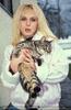 Mit einer Schindlhof Katze