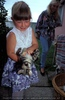 Kind mit Katzenbaby
