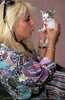 Mit Katzenbaby