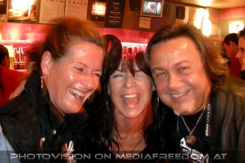 The magicians scream: Monika,Eva D.,Charly Swoboda
