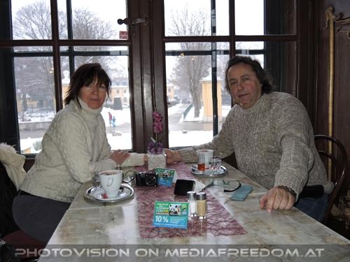 Im Kaiserpavillon beim Kaffee: Eva D.,Charly Swoboda