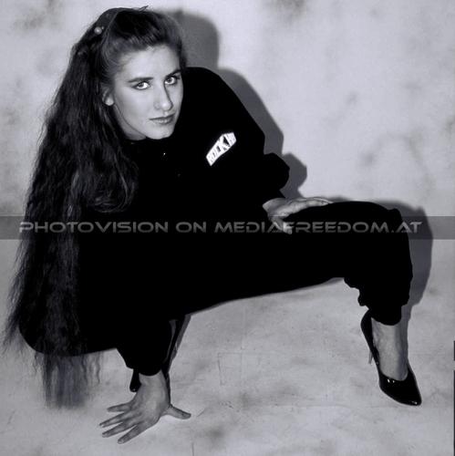 Miss Rock - Sweater 05: Sandy T.