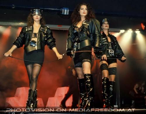 Sixty Six Fashion 02: Natascha Tagunoff,Iris Geher
