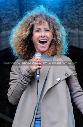 Sandra the Sun 25: Sandra Pires