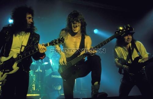 Solid ball of rock: Graham Oliver,Nibbs Carter,Paul Quinn