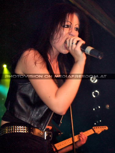 M.F.J. live 04: Suzy Q