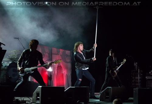 Last Look at Eden - Tour Pix 28: John Leven,Joey Tempest,John Norum