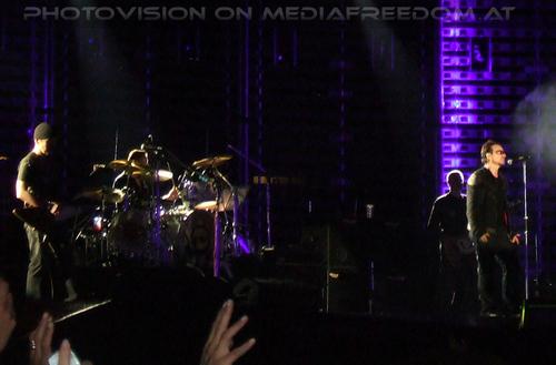 Vertigo 13: The Edge,Larry Mullen,Adam Clayton,Bono