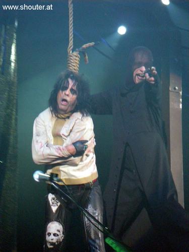 Hangman: Alice Cooper