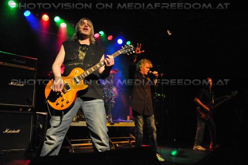 Sound elixir: Jimmy Murrison,Dan McCafferty,Pete Agnew