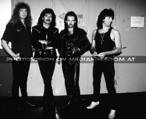 Heaven in black: Neil Murray,Tony Iommi,Tony Martin,Cozy Powell
