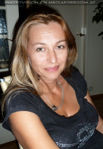 Living on Video 6: Bettina Brix