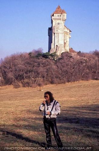 Bei der Burg 3: Charly F. Lovehurts (Charly Swoboda)