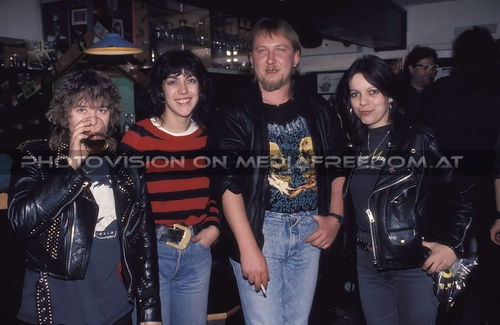 Demolition boy: Denise Dufort,Jackie Carrera,Cris Bonacci