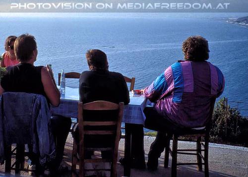 A Greek evening 04: Heike,Christie,Georg Biron