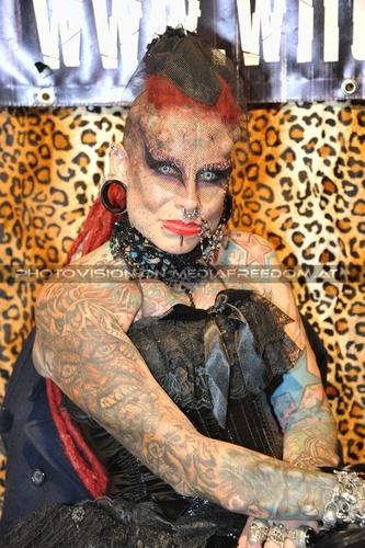 Tattoo Action Pix 07: Vampire Woman