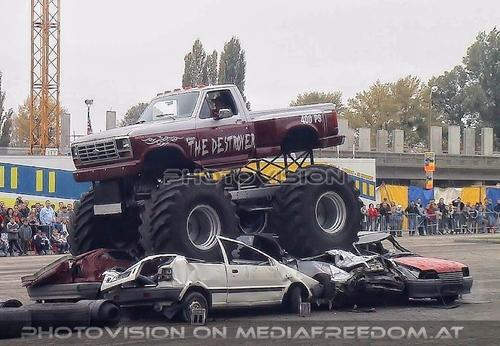 Stuntshow 13