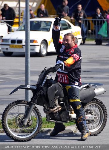Bike Stunt Show 08: Tval