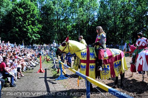 Turnier zu Pferde 18